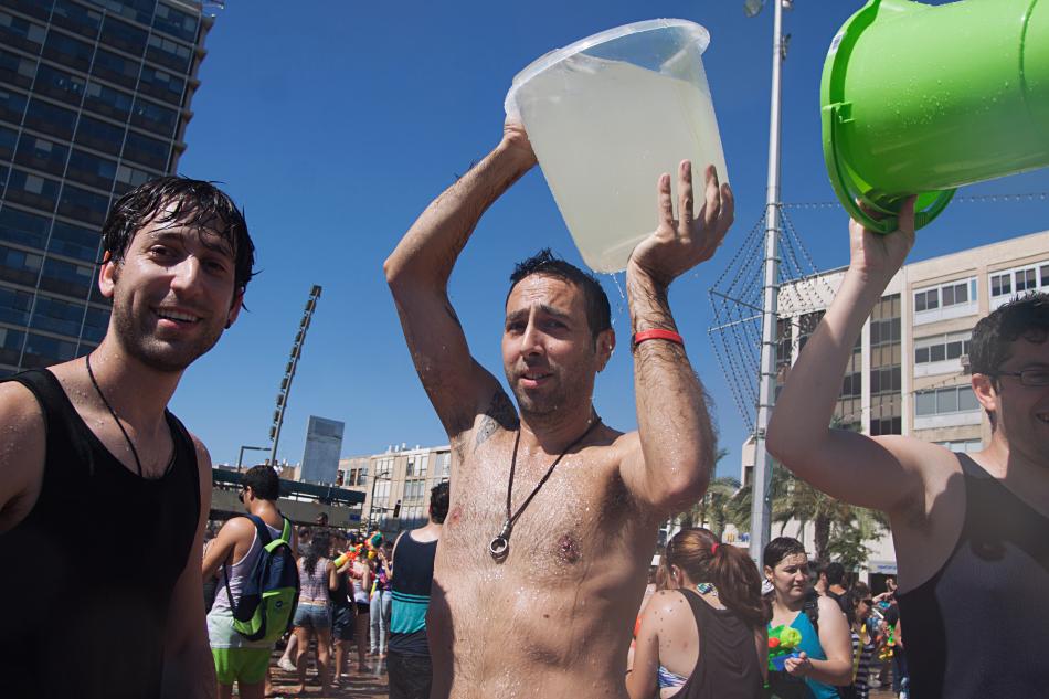 Water War Tel Aviv 2013